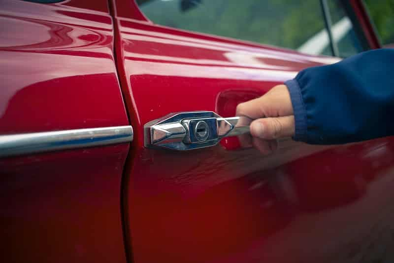 Opening and closing the car door causes scratches around the handle